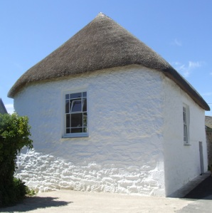The Methodist Chapel at Gwithian, of the very few that are thatched. This was restored and rethatched in 2007.